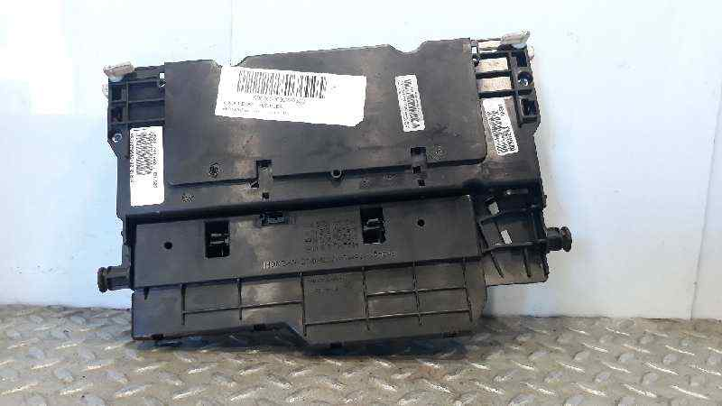CAJA RELES / FUSIBLES BMW SERIE X3 (E83) 3.0d   (204 CV) |   09.03 - 12.06_img_1