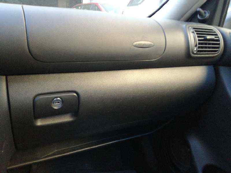 GUANTERA SEAT LEON (1M1) Stella  1.9 TDI (90 CV) |   11.99 - 12.04_img_0