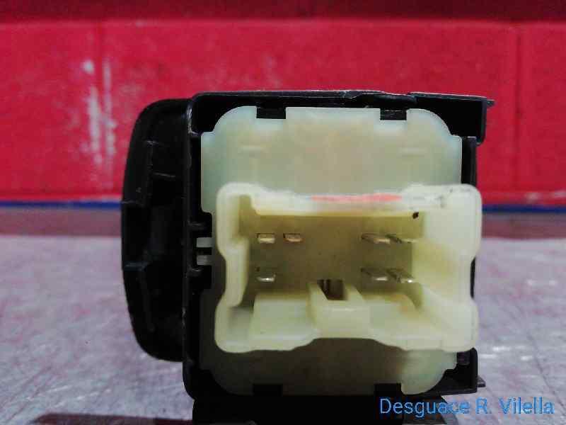 MANDO ELEVALUNAS DELANTERO IZQUIERDO  DACIA DOKKER Ambiance  1.5 dCi Diesel FAP CAT (75 CV) |   10.12 - 12.15_img_1