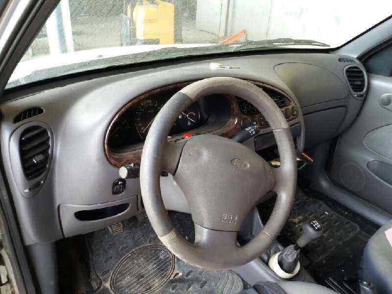 FORD FIESTA BERLINA Ghia  1.8 Diesel CAT (60 CV) |   08.95 - 12.99_img_4