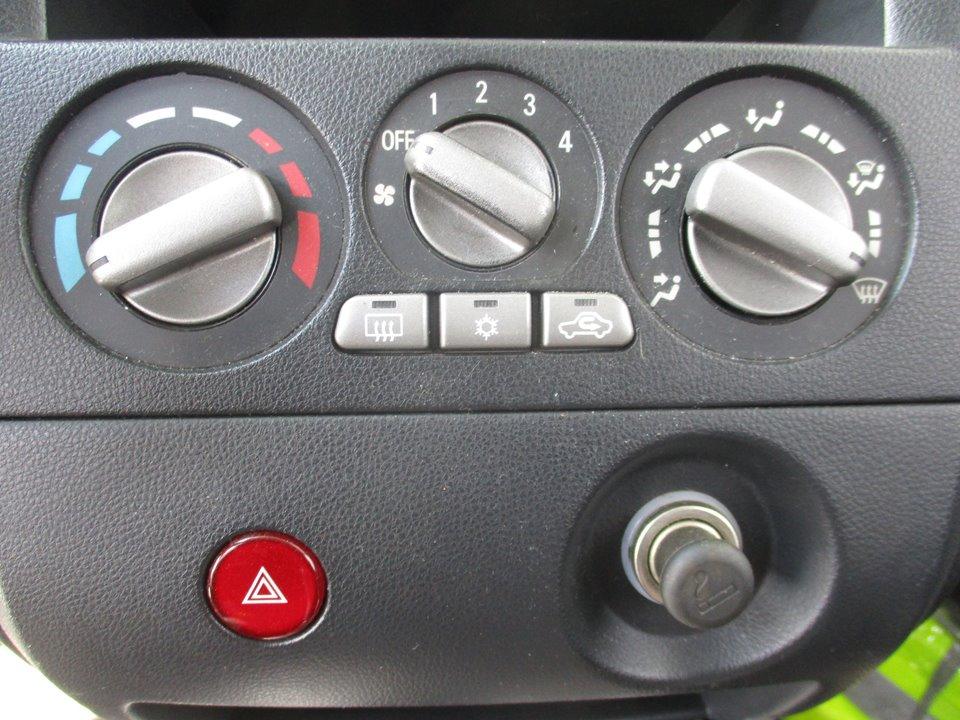 MANDO CALEFACCION /  AIRE ACONDICIONADO MITSUBISHI OUTLANDER (CU0W) 2.0 4WD   (136 CV)     04.03 - 12.06_img_0