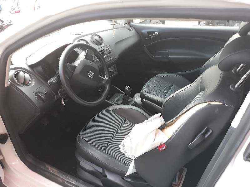 SEAT IBIZA SC (6J1) Style Tech  1.6 TDI (90 CV) |   01.13 - 12.14_img_4