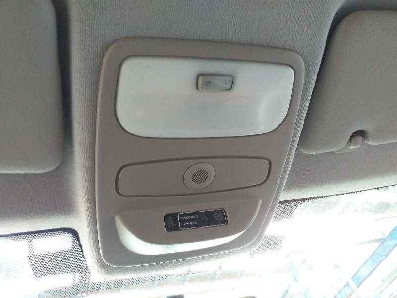 LUZ INTERIOR RENAULT CLIO IV Business  1.5 dCi Diesel FAP (75 CV) |   09.12 - 12.15_img_0