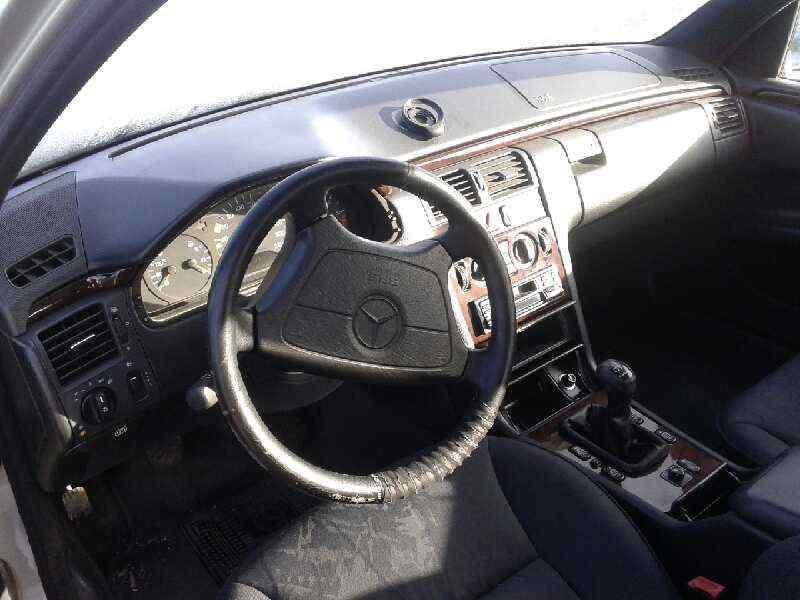 MERCEDES CLASE E (W210) BERLINA DIESEL 300 Diesel (210.020)  3.0 Diesel CAT (136 CV) |   05.95 - ..._img_5