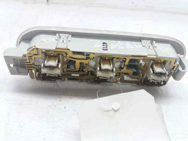 LUZ INTERIOR RENAULT SCENIC II Confort Dynamique  1.9 dCi Diesel (120 CV) |   06.03 - 12.05_img_1