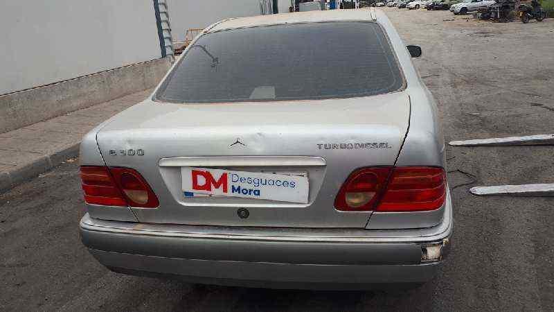 MERCEDES CLASE E (W210) BERLINA DIESEL 300 Diesel (210.020)  3.0 Diesel CAT (136 CV)     05.95 - 12.97_img_4