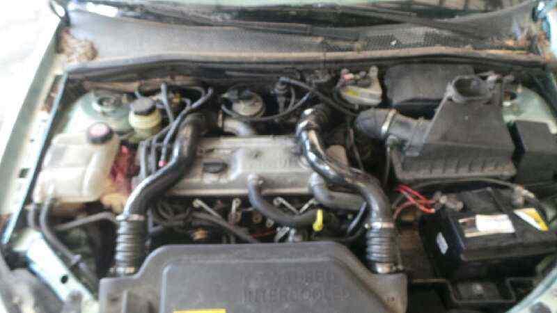 FORD FOCUS BERLINA (CAK) Ambiente  1.8 TDDI Turbodiesel CAT (90 CV) |   08.98 - 12.04_img_2