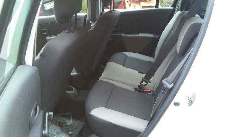 RENAULT CLIO III Authentique  1.5 dCi Diesel (65 CV) |   05.10 - ..._img_5