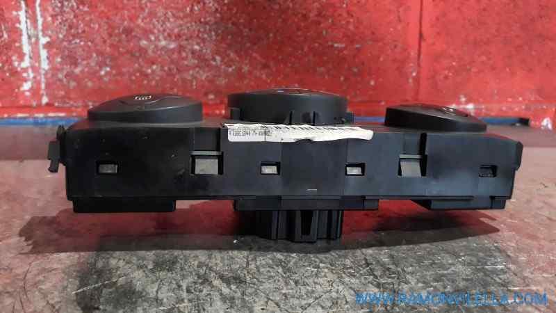 MANDO CLIMATIZADOR RENAULT MEGANE II CLASSIC BERLINA Confort Authentique  1.5 dCi Diesel (106 CV)     06.05 - ..._img_5