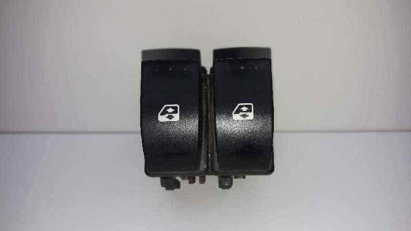 MANDO ELEVALUNAS DELANTERO IZQUIERDO  RENAULT MEGANE II CLASSIC BERLINA Expression  1.9 dCi Diesel (131 CV)     09.06 - 12.07_img_0
