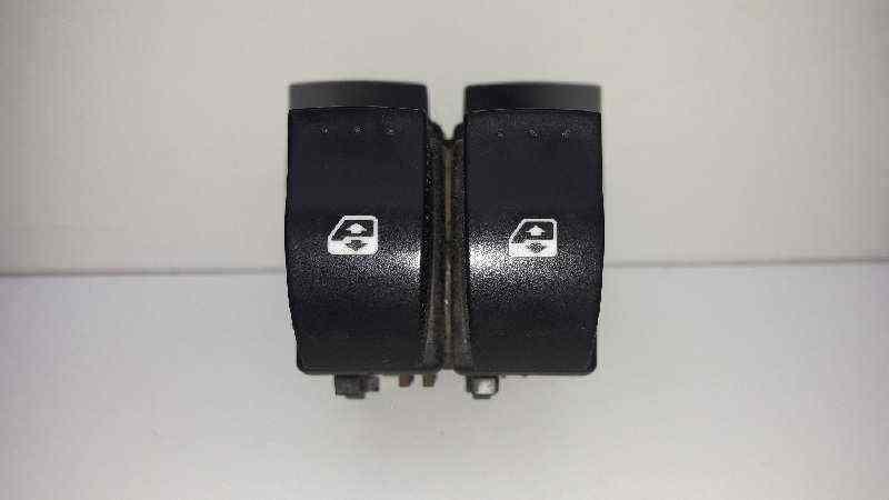 MANDO ELEVALUNAS DELANTERO IZQUIERDO  RENAULT MEGANE II BERLINA 3P Luxe Dynamique  1.9 dCi Diesel (120 CV) |   07.02 - 12.05_img_0