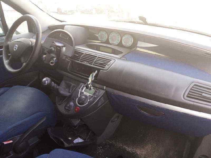 FIAT ULYSSE (179) 2.2 JTD Emotion   (128 CV)     02.04 - 12.04_img_4