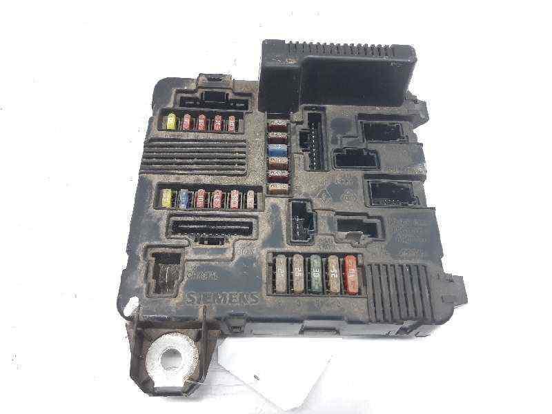 CAJA RELES / FUSIBLES RENAULT SCENIC II Confort Dynamique  1.5 dCi Diesel (101 CV) |   06.03 - 12.05_img_0