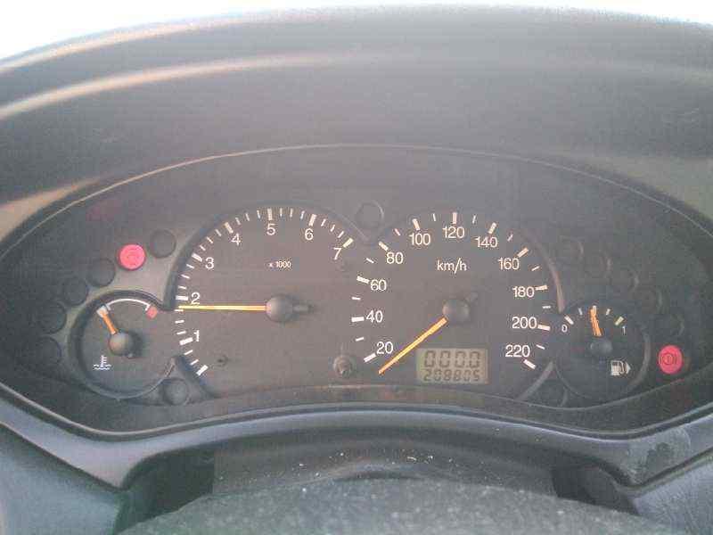 FORD FOCUS BERLINA (CAK) Ghia  1.8 TDDI Turbodiesel CAT (90 CV) |   08.98 - 12.02_img_2