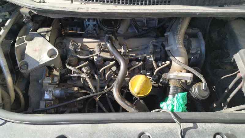 RENAULT SCENIC II Confort Dynamique  1.9 dCi Diesel (120 CV)     06.03 - 12.05_img_2