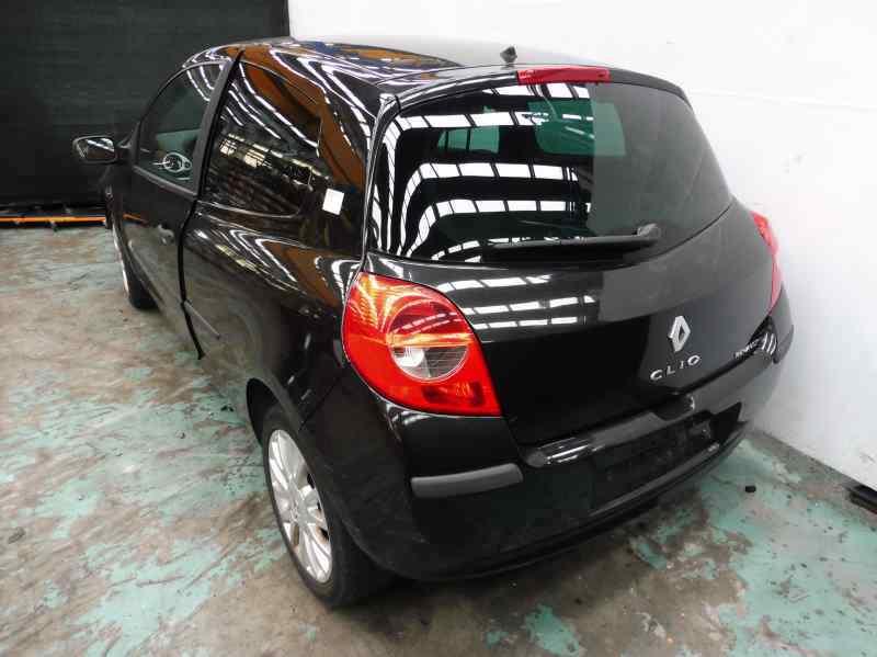 RENAULT CLIO III Confort Dynamique  1.6 16V (112 CV)     09.05 - 12.06_img_1