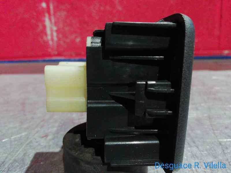 MANDO ELEVALUNAS DELANTERO IZQUIERDO  DACIA DOKKER Ambiance  1.5 dCi Diesel FAP CAT (75 CV) |   10.12 - 12.15_img_2