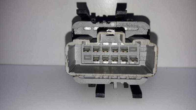 MANDO ELEVALUNAS DELANTERO IZQUIERDO  RENAULT MEGANE II FAMILIAR Dynamique  1.9 dCi Diesel (120 CV) |   07.04 - ..._img_1