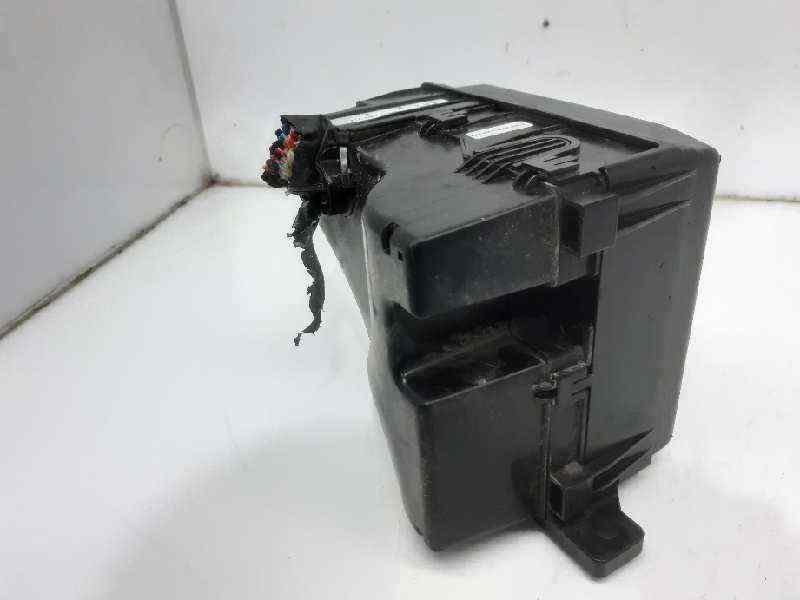 CAJA RELES / FUSIBLES KIA SPORTAGE Concept 4x2  1.7 CRDi CAT (116 CV) |   08.10 - 12.15_img_2
