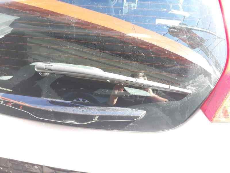 BRAZO LIMPIA TRASERO VOLVO C30 1.6 D Drive Momentum   (114 CV) |   10.10 - 12.12_img_0