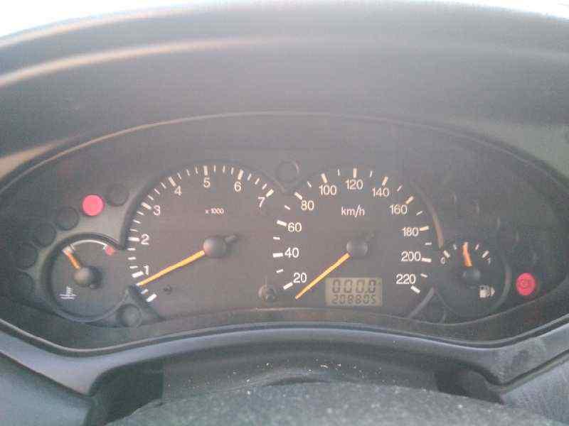 FORD FOCUS BERLINA (CAK) Ghia  1.8 TDDI Turbodiesel CAT (90 CV) |   08.98 - 12.02_img_3