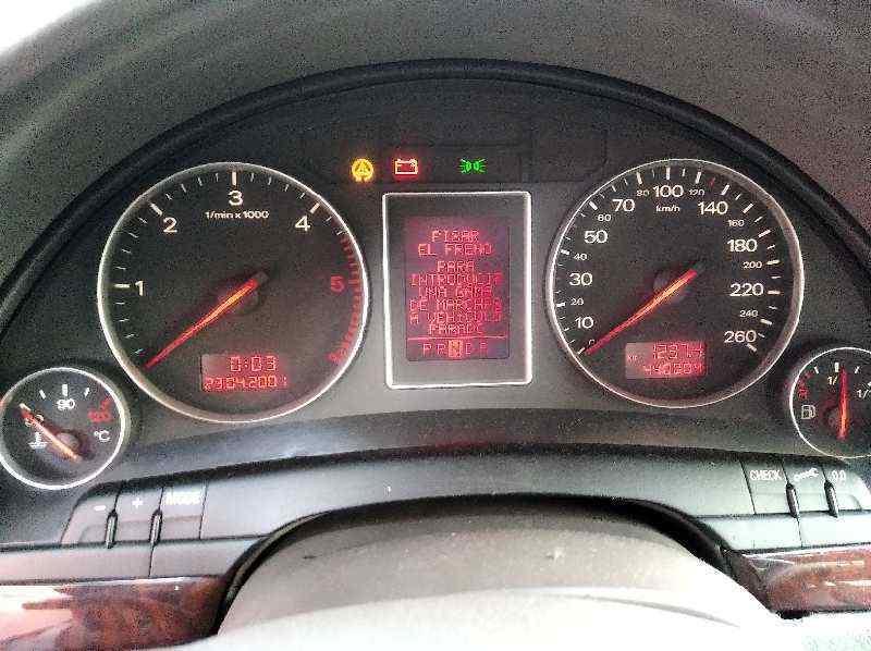 AUDI A4 BERLINA (8E) 2.5 TDI Quattro (132kW)   (180 CV) |   12.00 - 12.04_img_5