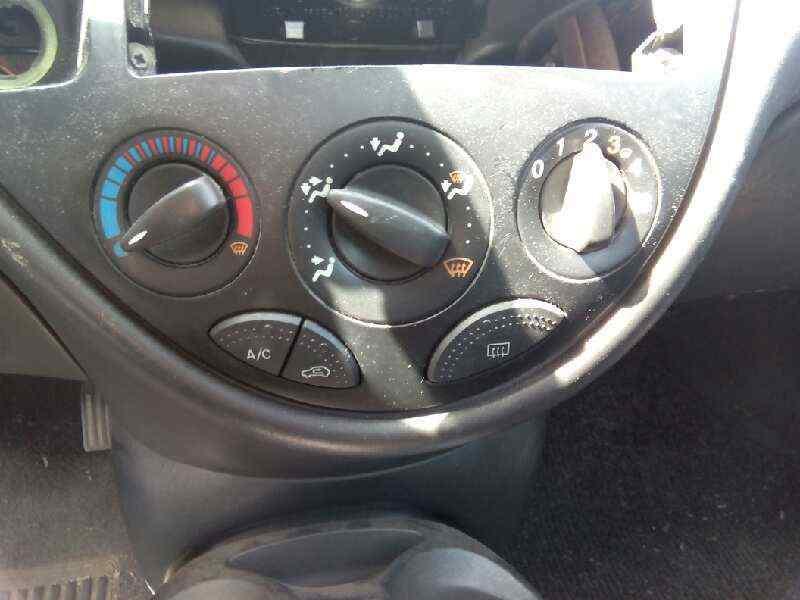 FORD FOCUS BERLINA (CAK) Ambiente  1.8 TDDI Turbodiesel CAT (90 CV) |   08.98 - 12.04_img_3