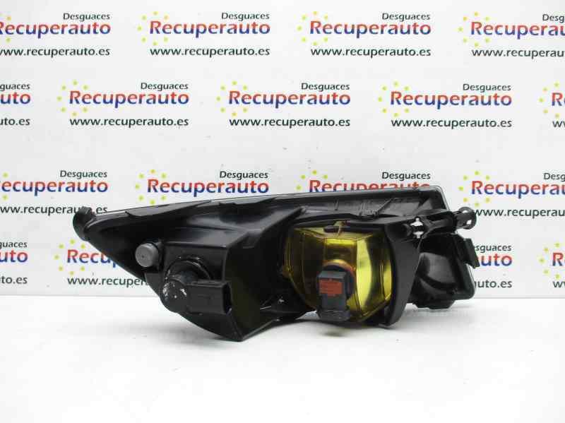 Faro antiniebla 13862703