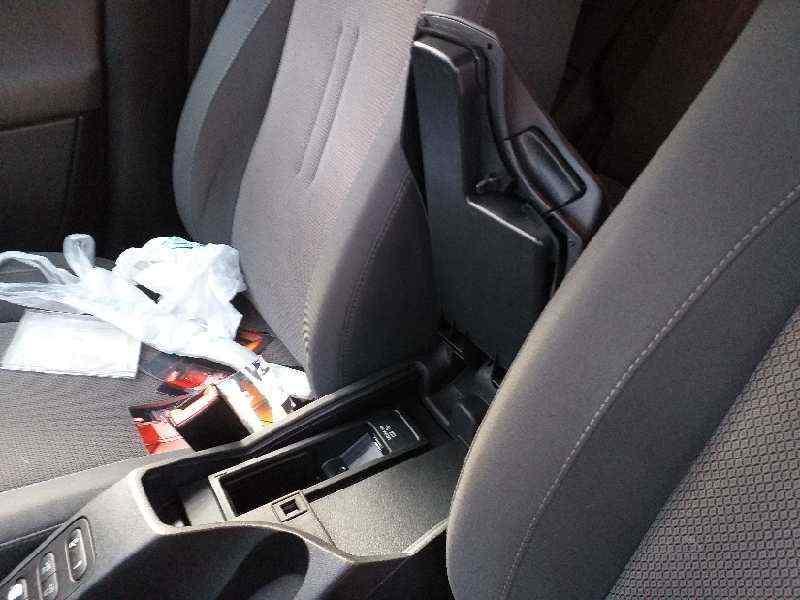 APOYABRAZOS CENTRAL SEAT ALTEA XL (5P5) Style Ecomotive  1.6 TDI (105 CV) |   10.09 - 12.13_img_2