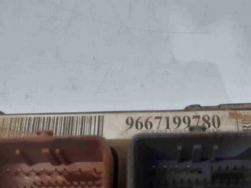 CAJA RELES / FUSIBLES PEUGEOT 207 99G  1.6 16V HDi FAP (90 CV)     09.09 - 12.12_img_2