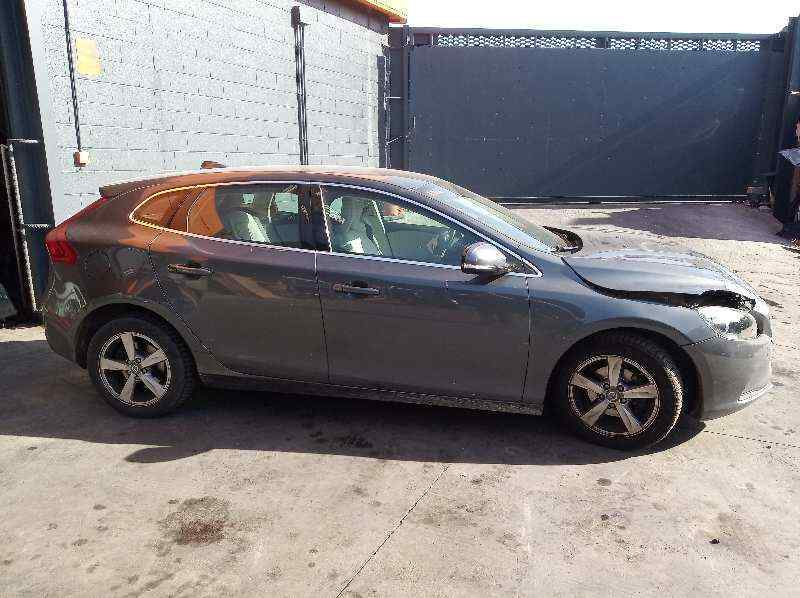 TAPA EXTERIOR COMBUSTIBLE VOLVO V40 Momentum  1.6 Diesel CAT (114 CV) |   03.12 - 12.15_img_1