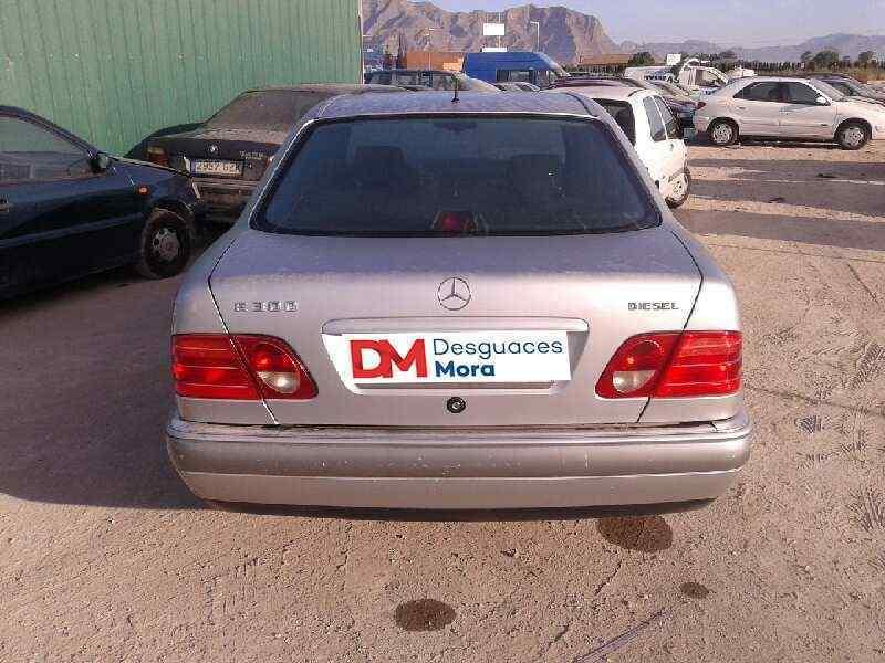 MERCEDES CLASE E (W210) BERLINA DIESEL 300 Diesel (210.020)  3.0 Diesel CAT (136 CV) |   05.95 - ..._img_3