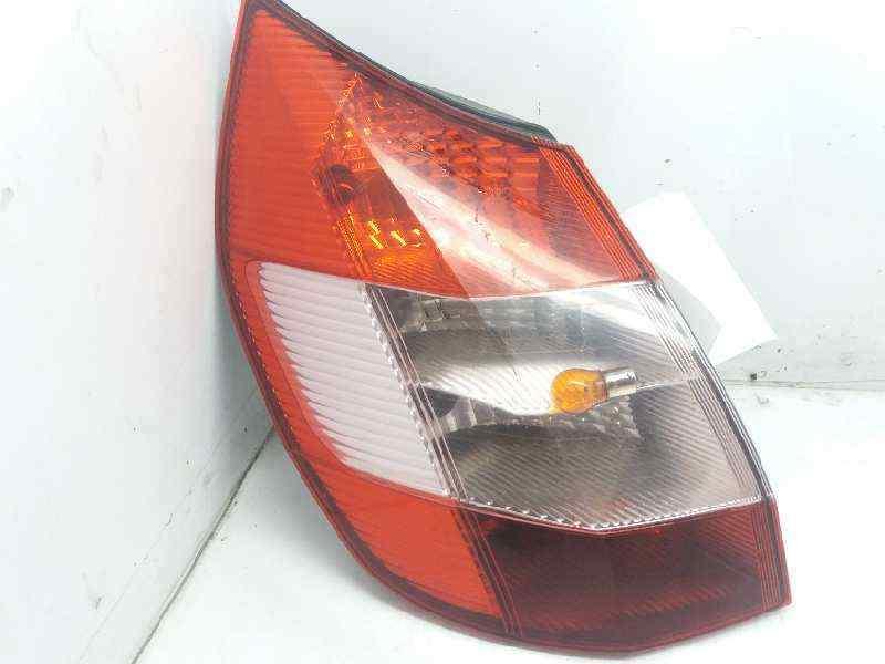PILOTO TRASERO IZQUIERDO RENAULT SCENIC II Confort Dynamique  1.9 dCi Diesel (120 CV) |   06.03 - 12.05_img_0