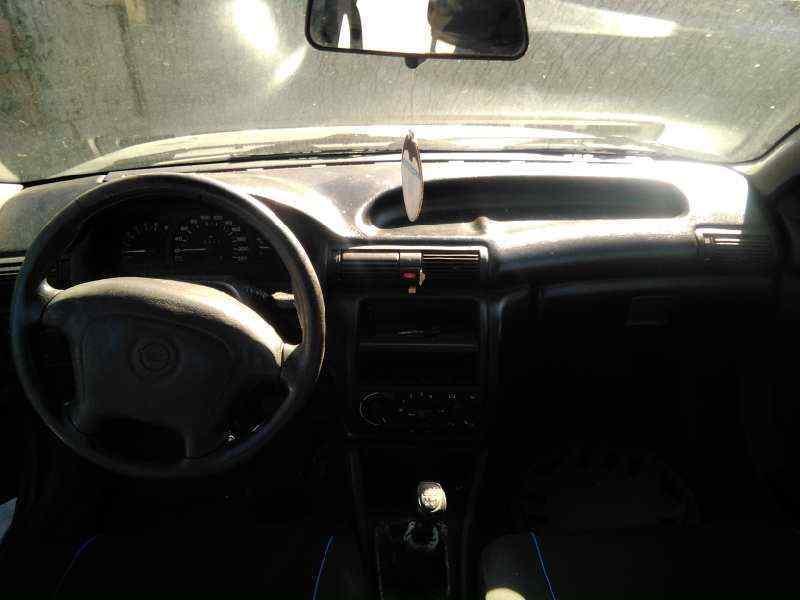 OPEL ASTRA F BERLINA Básico  1.7 Turbodiesel CAT (X 17 DTL / 2H8) (68 CV)     08.95 - ..._img_4