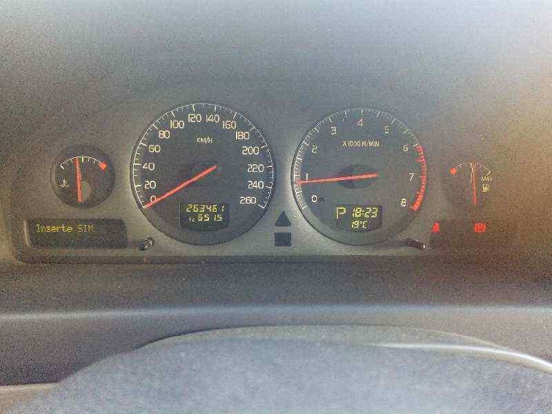 VOLVO XC70 2.4 T AWD Cross Country   (200 CV) |   07.01 - 12.02_img_4