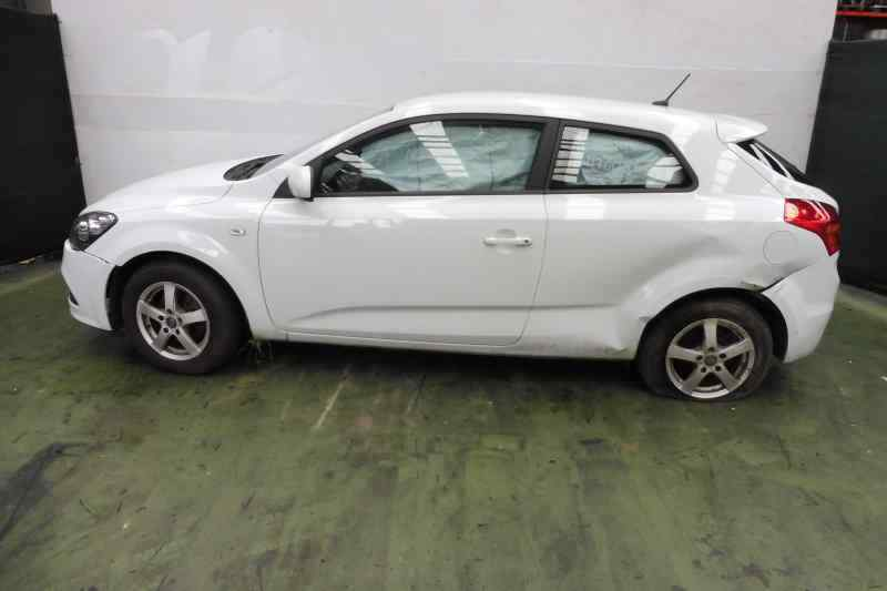 KIA CEE'D Emotion  1.6 CRDi CAT (116 CV) |   12.06 - 12.10_img_3