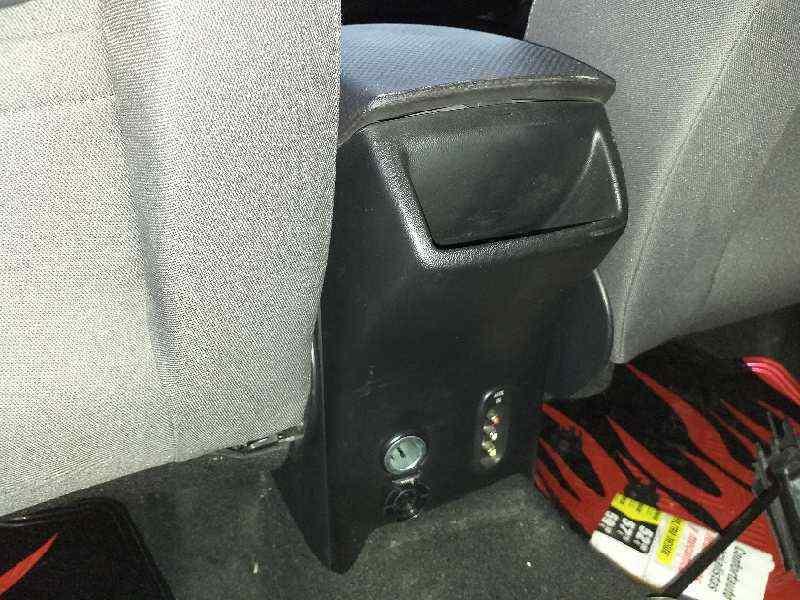 APOYABRAZOS CENTRAL SEAT ALTEA XL (5P5) Style Ecomotive  1.6 TDI (105 CV) |   10.09 - 12.13_img_1